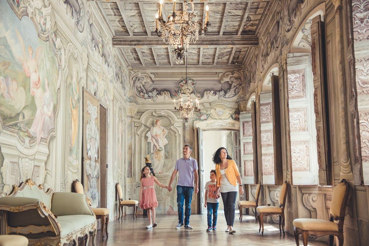 Famiglia a Villa Della Porta Bozzolo (VA) | ph. Davide Poerio | © FAI
