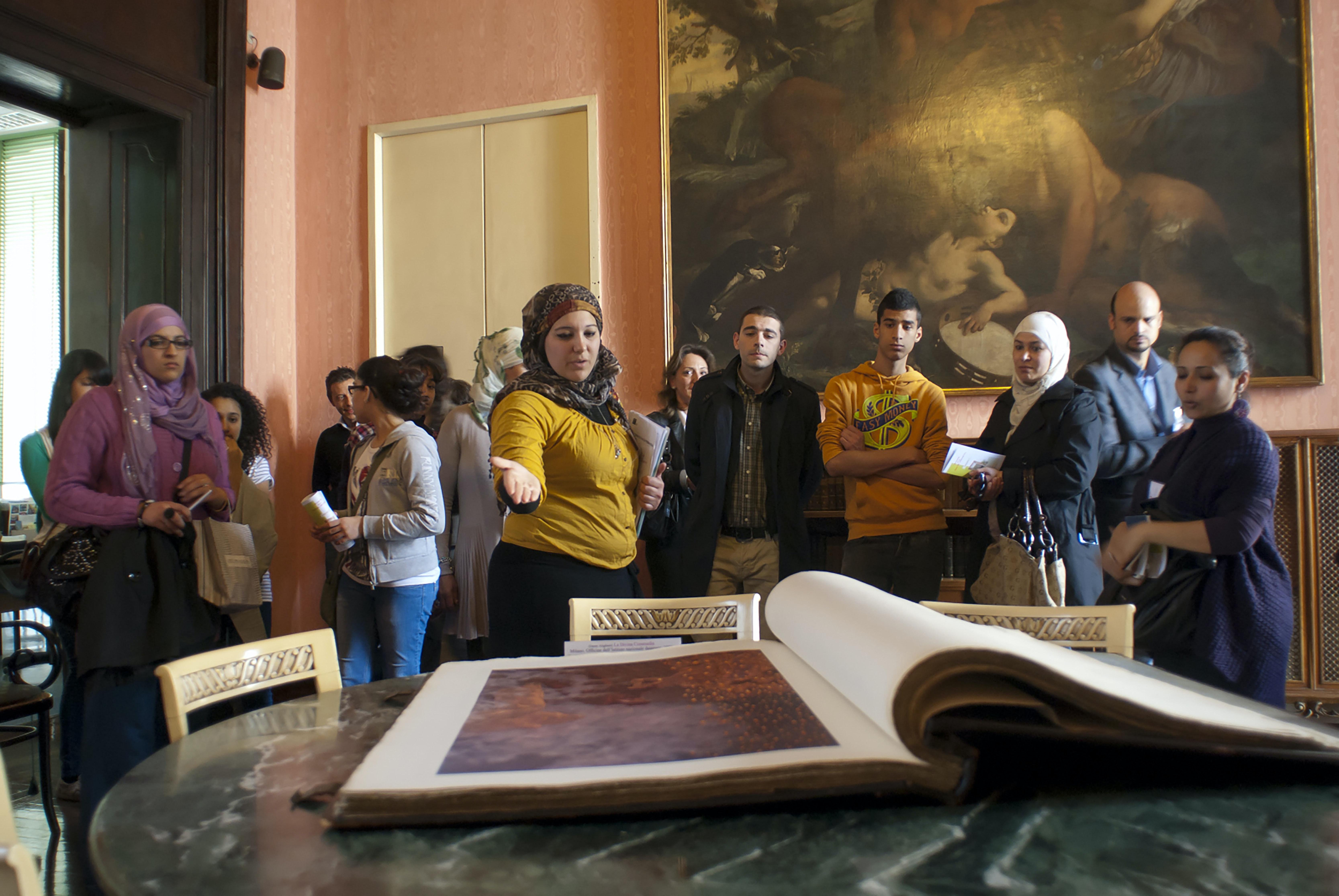 Volontari a Palazzo Sormani, Milano | © FAI